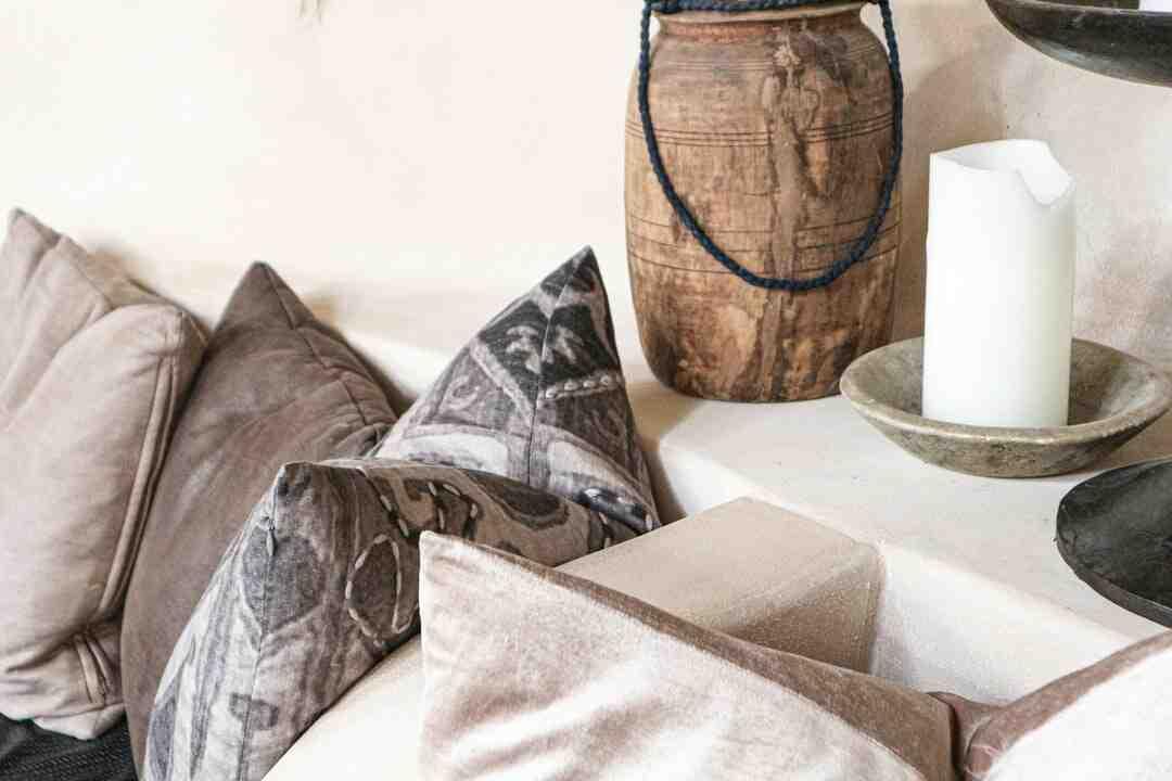 Quelle couleur de rideaux pour un canapé gris ?
