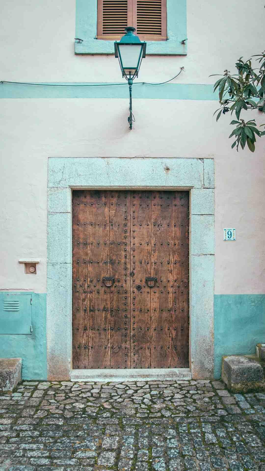 Comment isoler phoniquement une porte