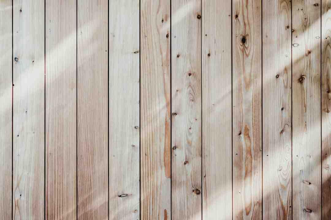 Comment faire une terrasse en bois sur de la terre